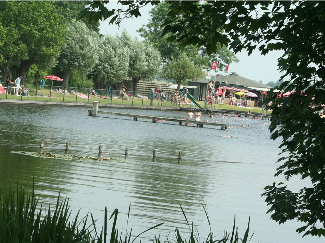 IJzerzand voorkomt blauwalg in natuurbad Zwemlust